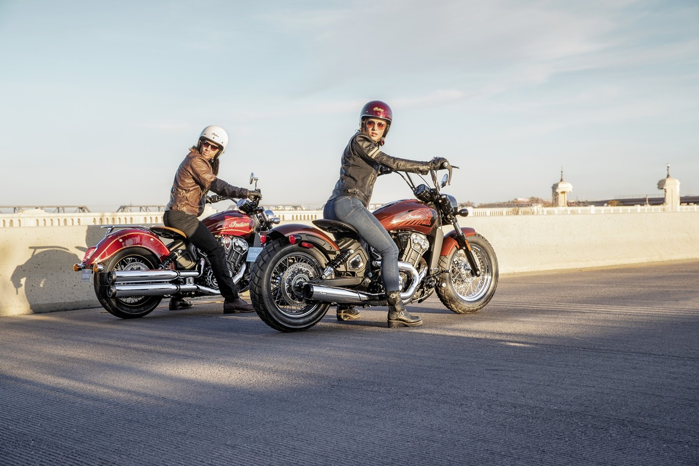 Indian Scout 100th Anniversary e Indian Scout Bobber Twenty